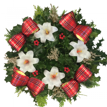 "29. Holly Wreath 10""/25cm"