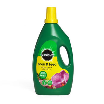 Scotts Miracle-Gro Pour & Feed